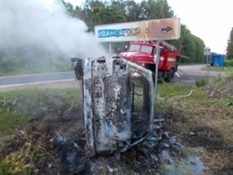 ВЯрославской области перевернулась исгорела иностранная машина