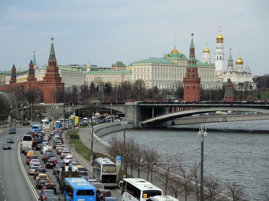 Путин и школота почему Кремль вдруг погнался за молодежью