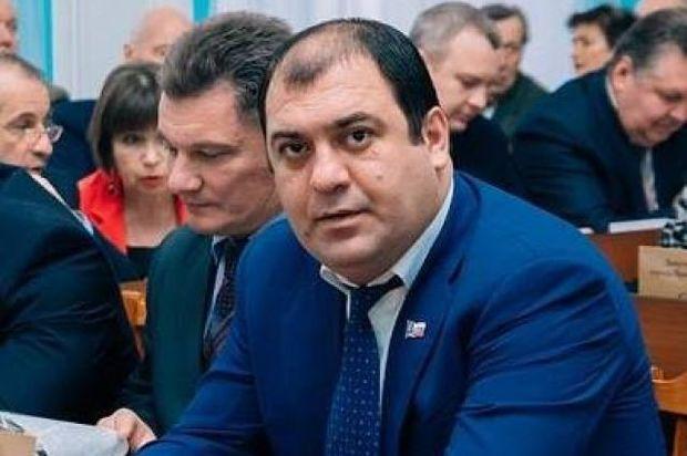Мечтать не вредно – депутат муниципалитета Андрей Власов решил арестовать избирательный счет «Единой России»