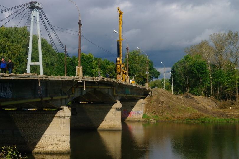 Начался демонтаж старого моста через Которосль вЯрославле