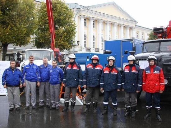 Ярославские энергетики продемонстрировали спецтехнику для обслуживания электросетевого комплекса