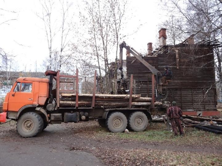 ВЯрославле сносят расселенное ветхое жилье