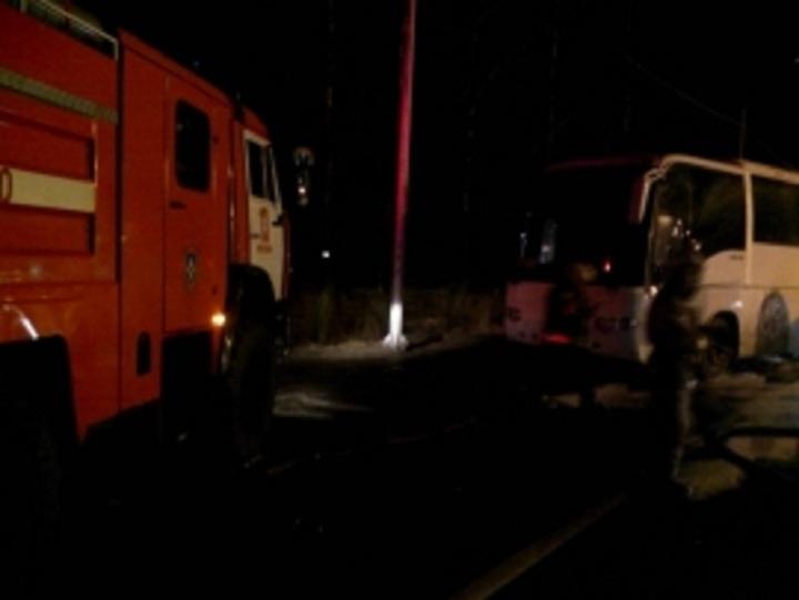 ВЯрославском районе зажегся автобус стуристами
